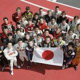 Carlos Sainz jr y todos los pilotos con Japón
