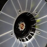 Detalle de la llanta del Porsche 918 Spyder