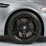 Detalle de la llanta del BMW M5