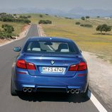 Vista posterior BMW M5