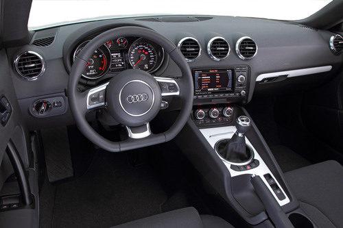 Interior de la versión 'Black & White'