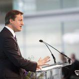 David Cameron dio un discurso en la sede de McLaren