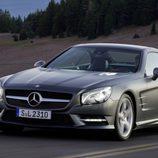 El Mercedes-Benz SL se mueve bien en carretera