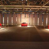 Ferrari Enzo flanqueado por el F50 y el F40 en Superdeportivos