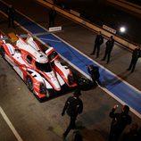 Parada en boxes nocturna para el TS030