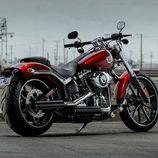 Harley-Davidson Breakout general aparcada
