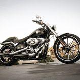 Harley-Davidson Breakout customized
