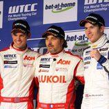 Podio primera carrera: Yvan Muller, Tom Chilton y Alex MacDowall