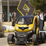 Renault Twizy RSF1 rodando logo