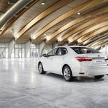 Toyota Corolla Europeo vista trasera-derecha