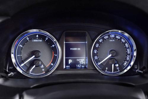 Toyota Corolla Europeo detalle marcador