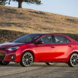 Toyota Corolla Norteamericano vista frontal-izquierdo