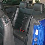 Volkswagen Eos, Vista detalle acceso a plazas traseras