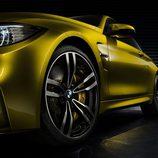 BMW M4 vista del costado