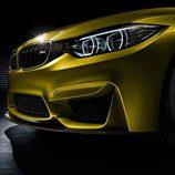 BMW M4 vista detalle del paragolpes delantero