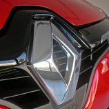 Renault Clio Sport Tourer detalle logotipo frontal