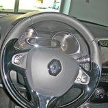 Renault Clio Sport Tourer detalle volante