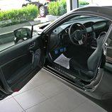 Toyota GT86 detalle del acceso al interior