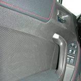 Toyota GT86 detalle del guarnecido puerta
