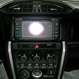 Toyota GT86 detalle de la consola central