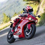 Ducati Panigale 899 en carretera