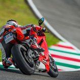 Ducati Panigale 899 en una curva de Mugello