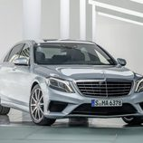 Mercedes Benz S63 AMG (W222) detalle fronto-lateral