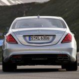 Mercedes Benz S63 AMG (W222) vista trasera