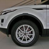 Range Rover Evoque detalle de la llanta del acabado Pure