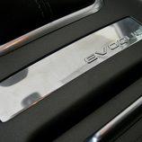 Range Rover Evoque detalle placa interior