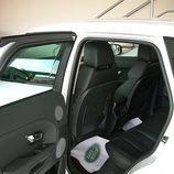 Range Rover Evoque detalle acceso a las plazas traseras