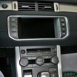 Range Rover Evoque Pure Tech detalle consola central