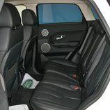 Range Rover Evoque Pure Tech detalle plazas traseras