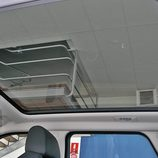 Range Rover Evoque detalle interior techo panorámico