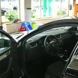 Skoda Octavia detalle acceso al interior