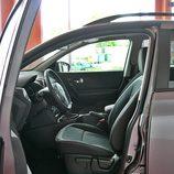 Nissan Qashqai detalle interior lado conductor