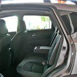Nissan Qashqai detalle parte trasera con apoyabrazos