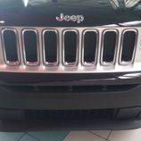 Jeep Renagade 4x2 Longitude - detalle parrilla