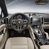 Porsche Cayenne Turbo S  - habitáculo