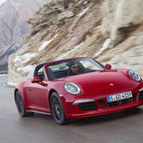 Porsche 911 Targa GTS 2015 - road
