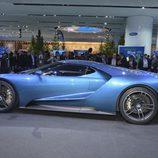 Ford GT concept Detroit 2015 - side