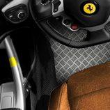 Ferrari F12 Berlinetta TdF - detalle interior