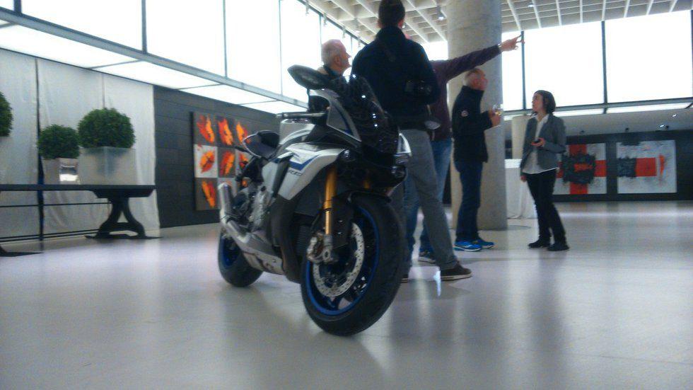 Yamaha R1-M - front