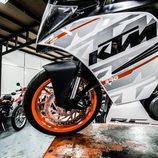 KTM RC390 - delantera