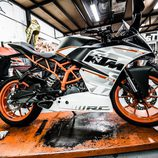 KTM RC390 - right