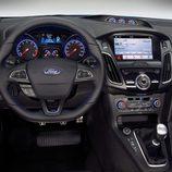 2016 Ford Focus RS - Puesto del conductor