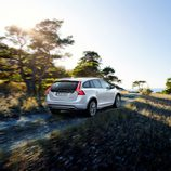 2015 Volvo V60 Cross Country - Trasera