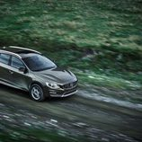 2015 Volvo V60 Cross Country - Aliado del barro