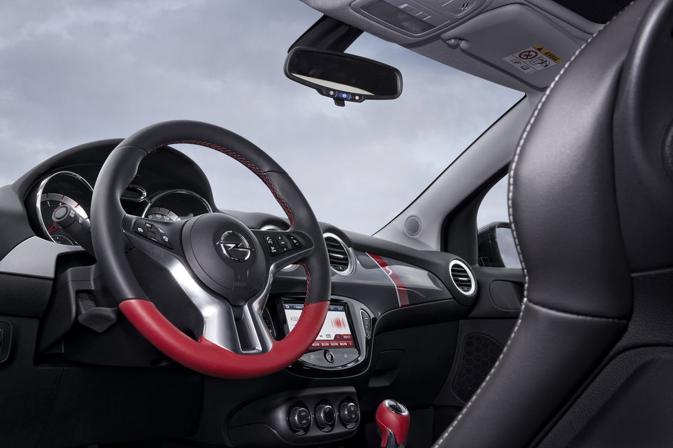 2016 opel adam rocks s interior motor y racing for Opel adam s interieur