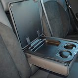 Prueba - Alfa Romeo Giulietta: Tapa apoyacodos trasero abierta